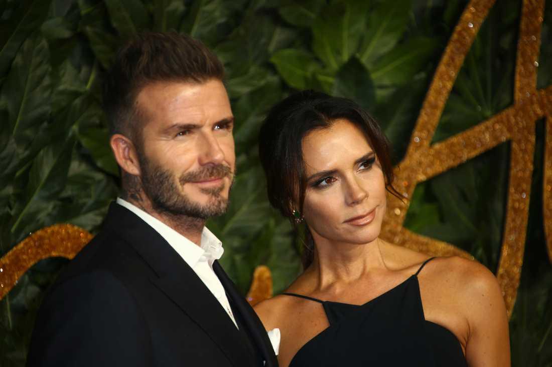 Kändisparet David och Victoria Beckham har problem med grannarna.