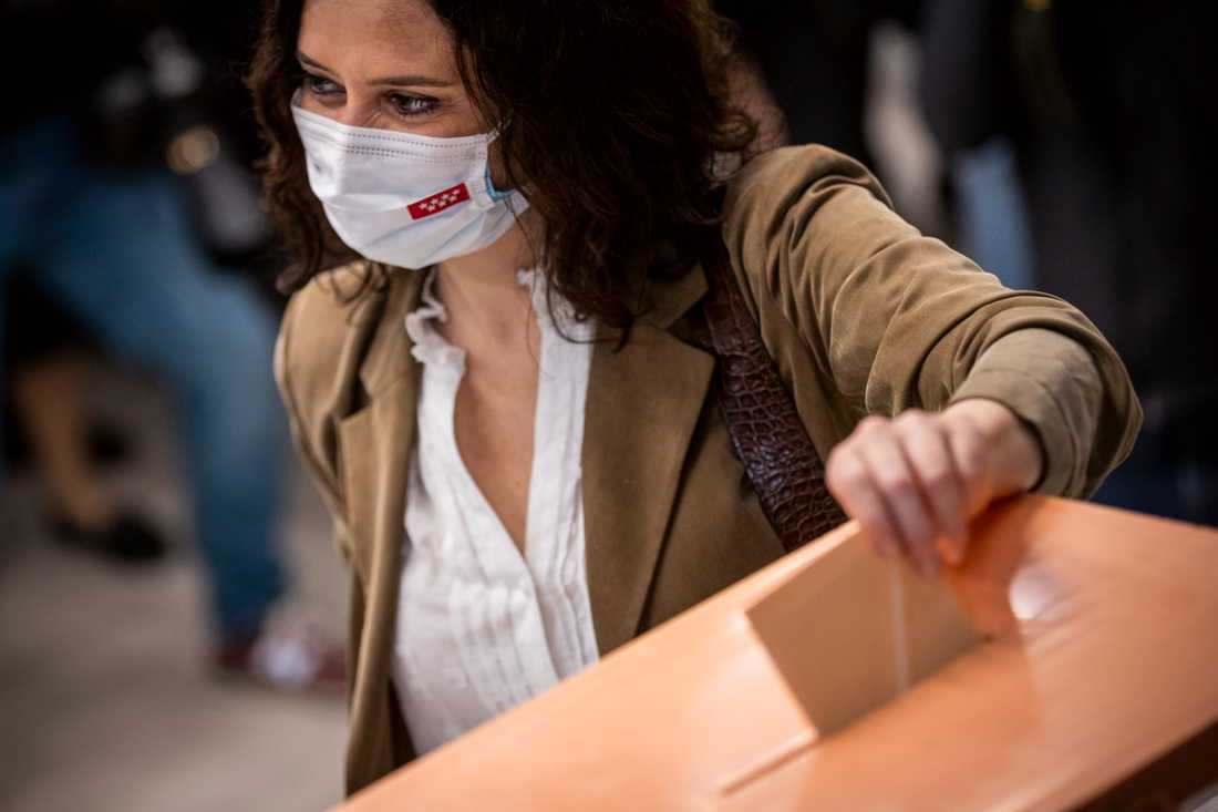 Madrids regionale ledare Isabel Díaz Ayuso har fått stort väljarstöd.
