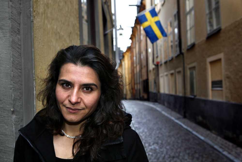 DOTTER Abir Al-Sahlani, dotter till fängslade Abid Al-Sahlani var på plats i Irak och kämpade för att få sin pappa frigiven.