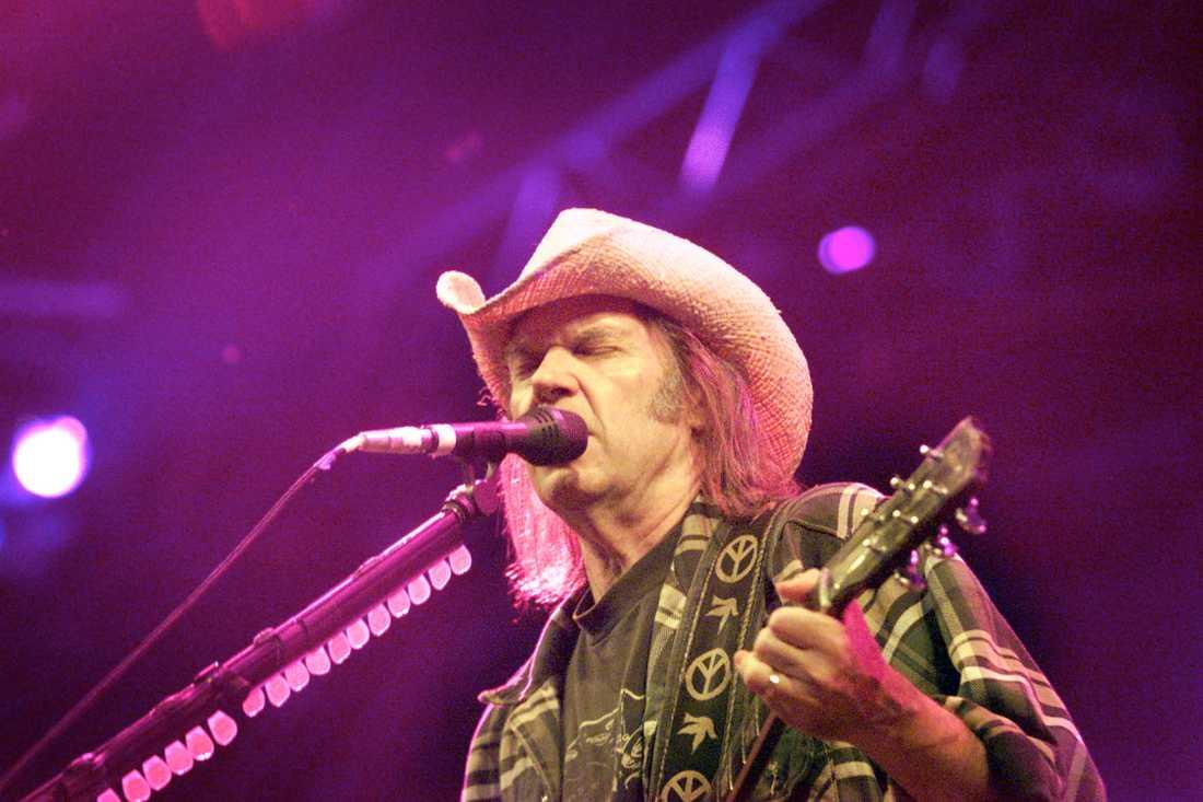 Neil Young, Roskilde, 2001. Några dagar senare fick han fem plus av Håkan Steen för en svagare spelning i Globen.