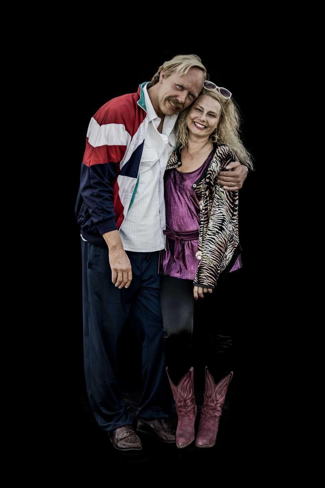 Mikael Persbrandt och Helena Bergström.