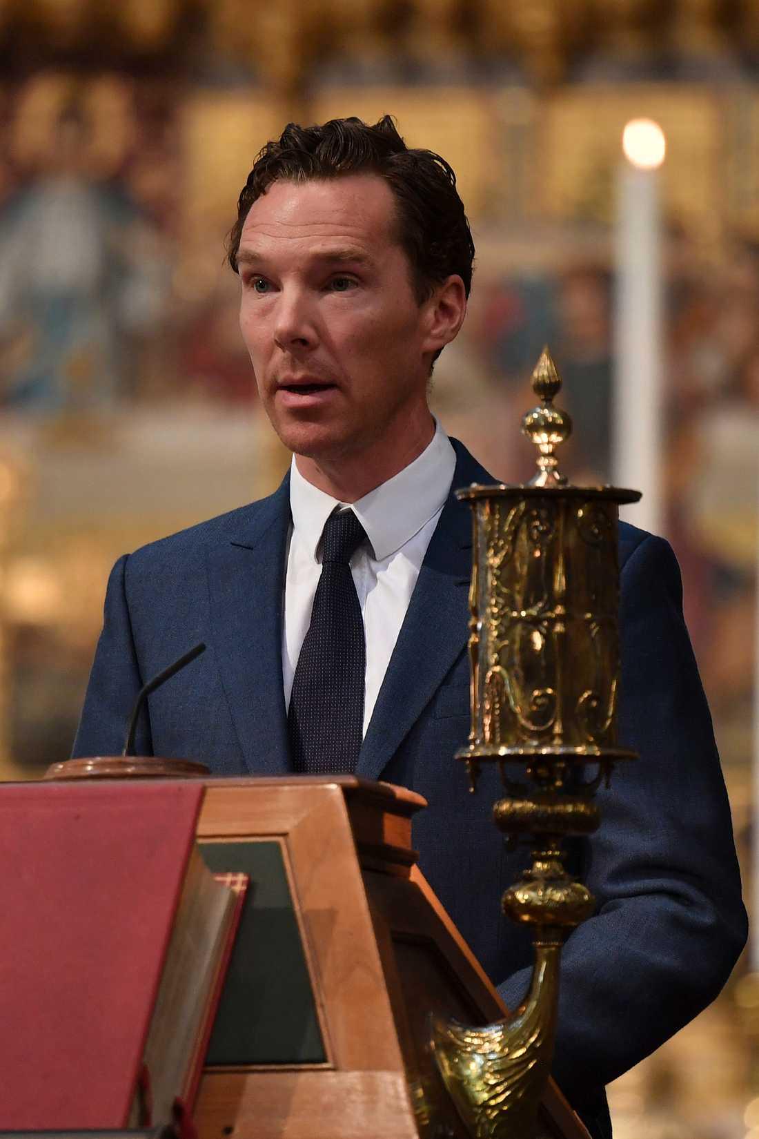 Den brittiske skådespelare Benedict Cumberbatch talade under minnesceremonin för Stephen Hawking.