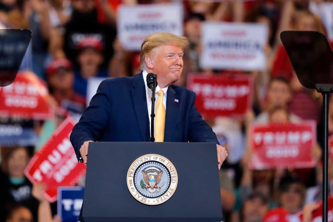 En manipulerad video där president Donald Trump dödar journalister och politiska motståndare visades på en konferens som hölls av hans anhängare, Arkivbild.
