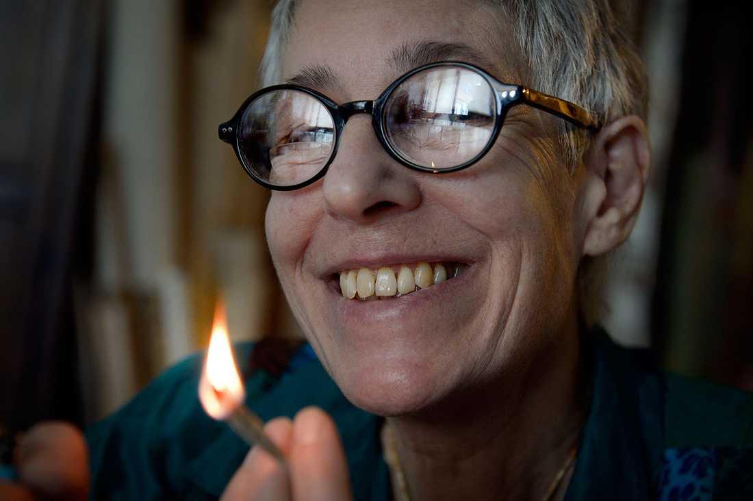 Rose Labrouste från franska Mammor för marijuana röker på varje dag.