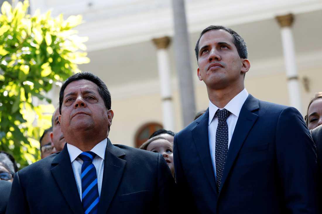 Arkivbild på Edgar Zambrano och Juan Guaidó.