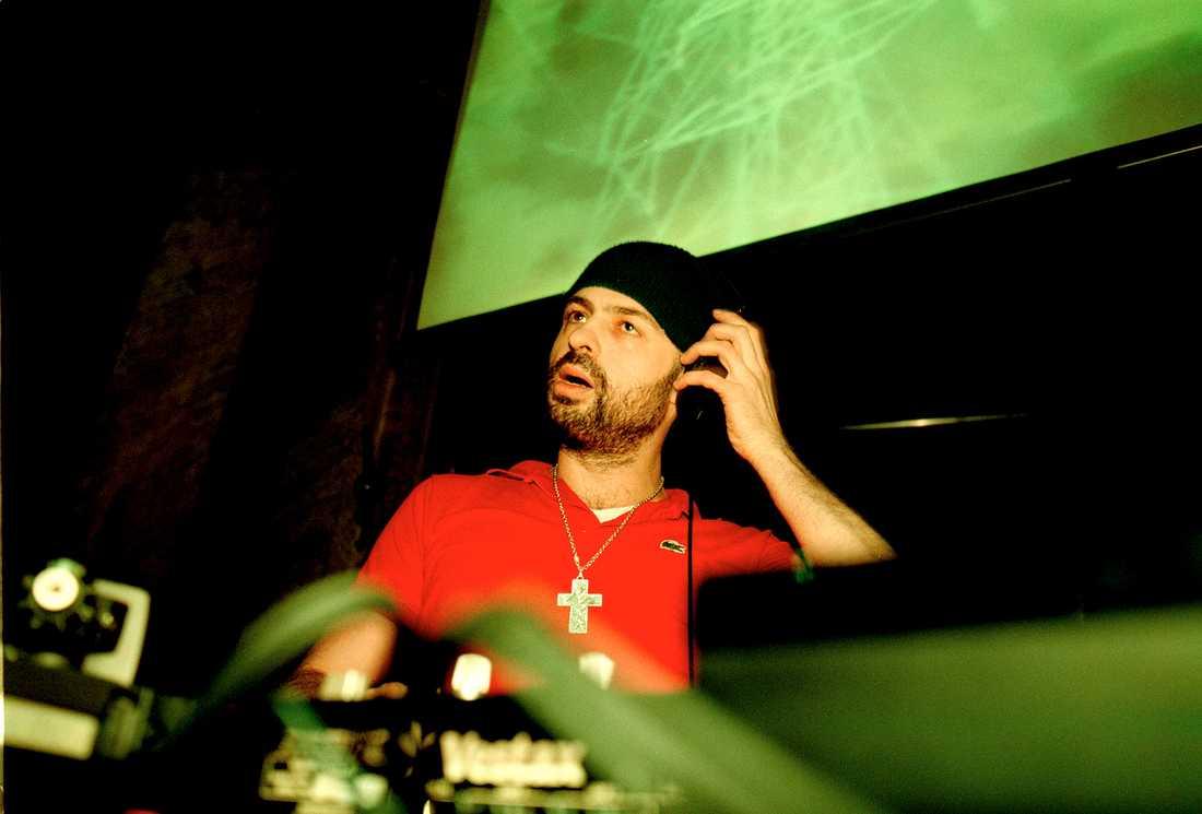 2000 Christian Falk som dj på Sture i Stockholm under MTV Stockholm music week 2000.