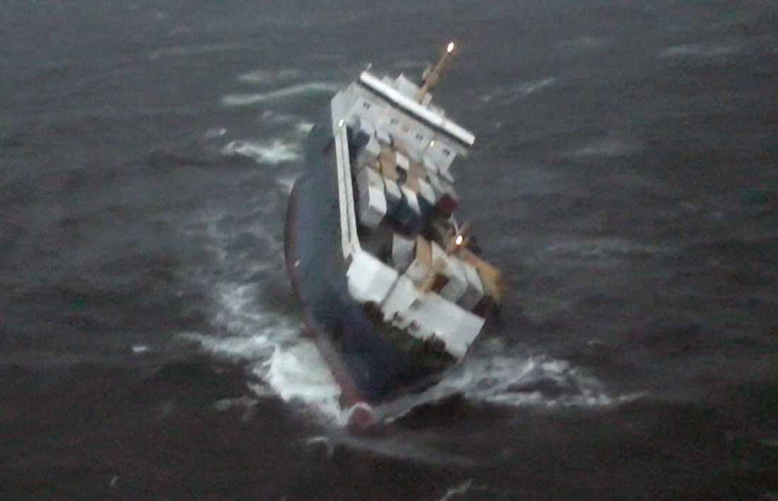 Fartyget Finnbirch fotograferat från Räddningshelikopter 997 på onsdagskvällen. Arkivbild.