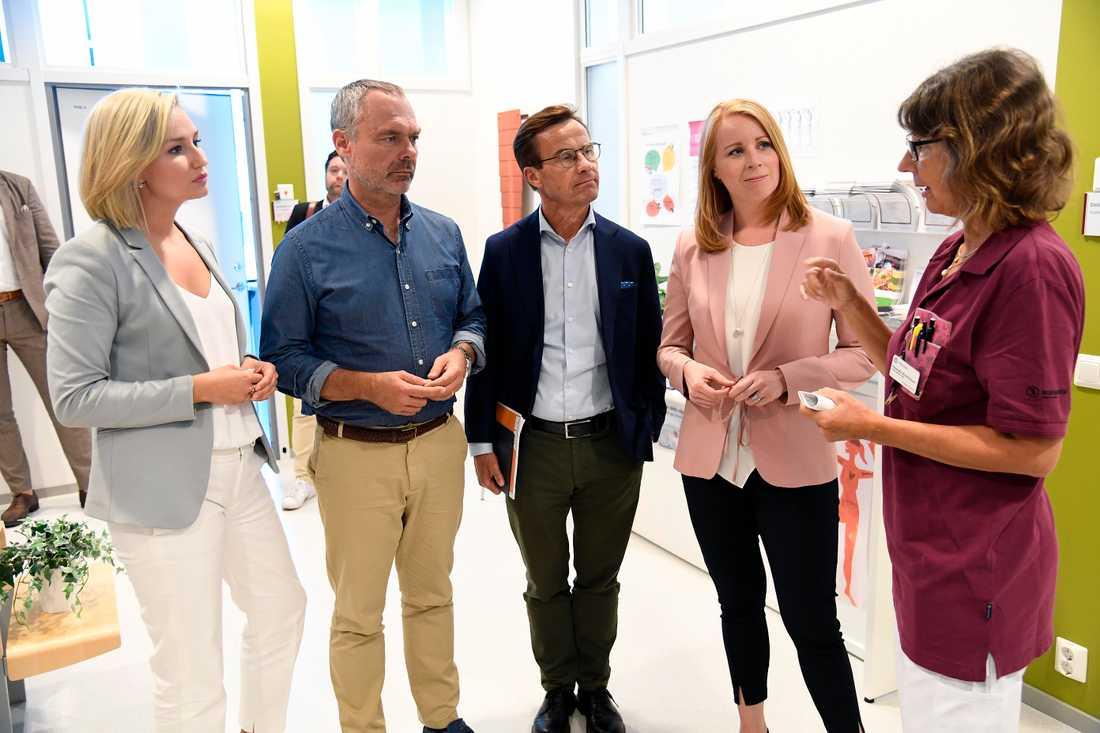 Ebba Busch Thor, Jan Björklund, Ulf Kristersson, Annie Lööf.