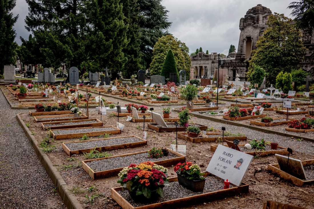 Bergamos kyrkogård gjorde snabbt plats för det stora antalet döda i pandemin.