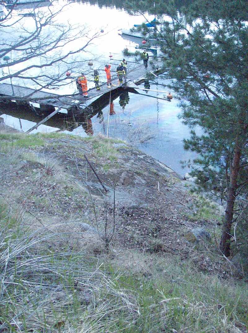 Kvinnans bil sjönk till botten i Strömma kanal.