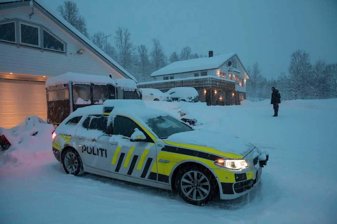 Sökandet efter de försvunna finländarna och svensken leddes under onsdagen från Olsrud gård i Tamokdalen.