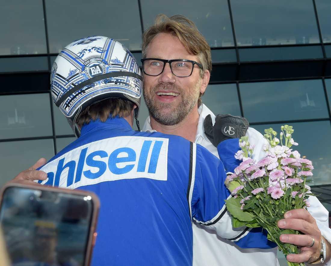 Peter Forsberg och Erik Adielsson efter en seger med Diamanten.