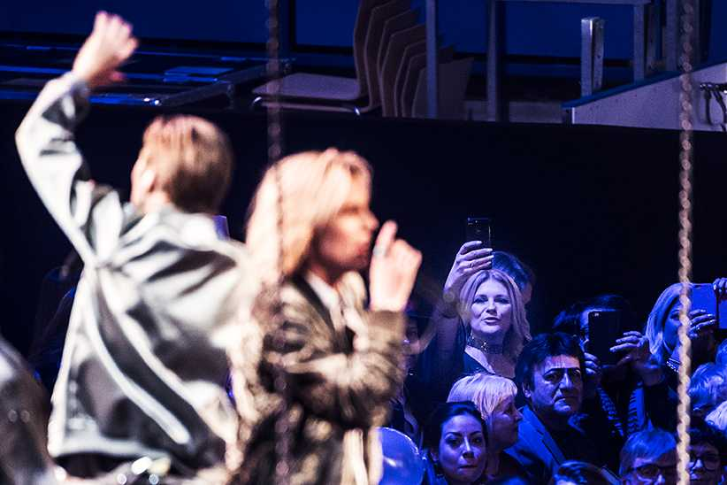 Flickvännen tog bilder när Oscar Enestads FO&O stod på scenen