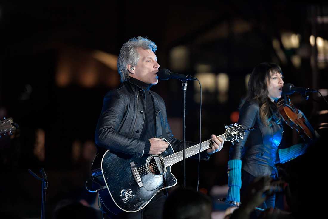 Bon Jovi spelade i Philadelphia inför Clintons tal.