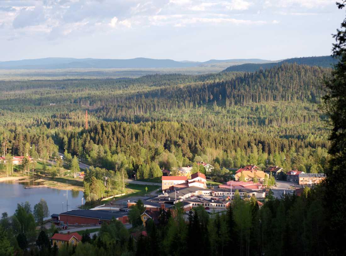 Dorotea på sommaren. Bilden tagen från slalombacken.