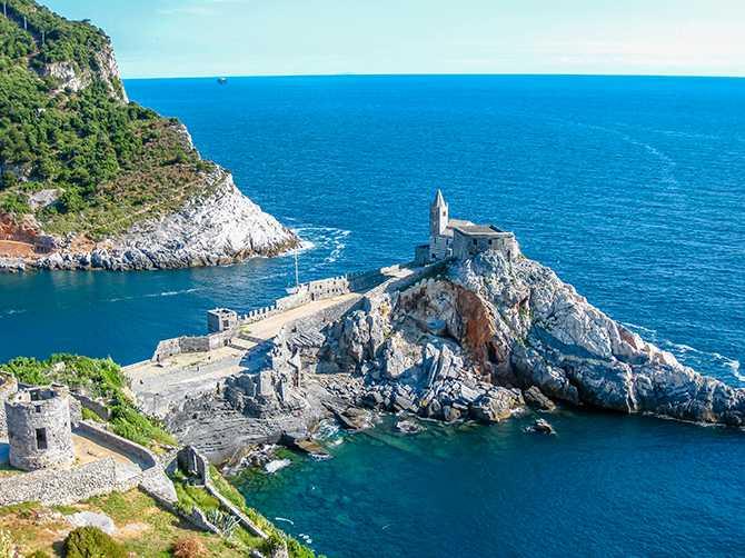 Porto Venere - en kort båtresa från välkända Cinque Terre.