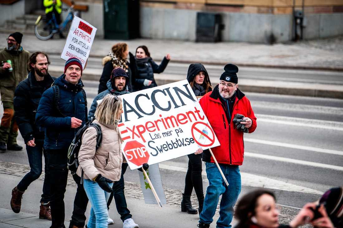 Frihet Sverige kallar sig gruppen som arrangerade helgens manifestation mot coronarestriktioner i Sverige.