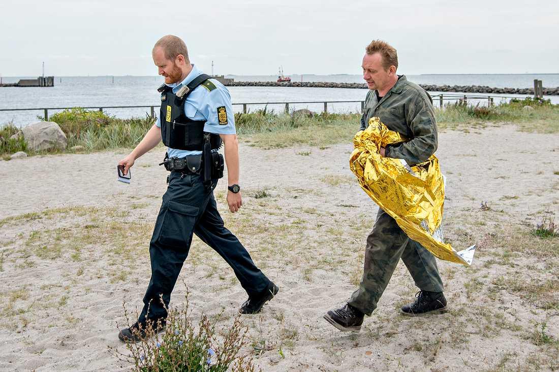 Peter Madsen grips av polis den 11 augusti 2017 efter att hans ubåt sjunkit.