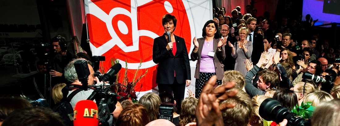 FÖRLORAREN Mona Sahlin talar på socialdemokraternas valvaka när det står klart att partiet gjort sitt sämsta val sedan 1914.