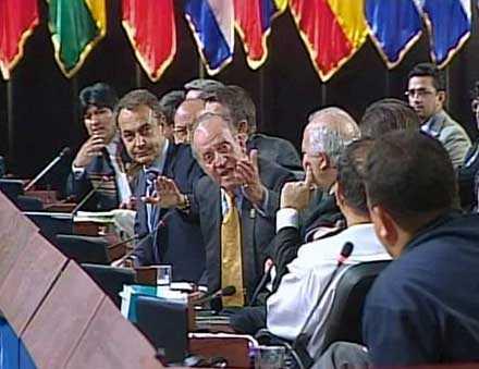 – Varför håller du inte käften? ropar Spaniens kung till Chavez.