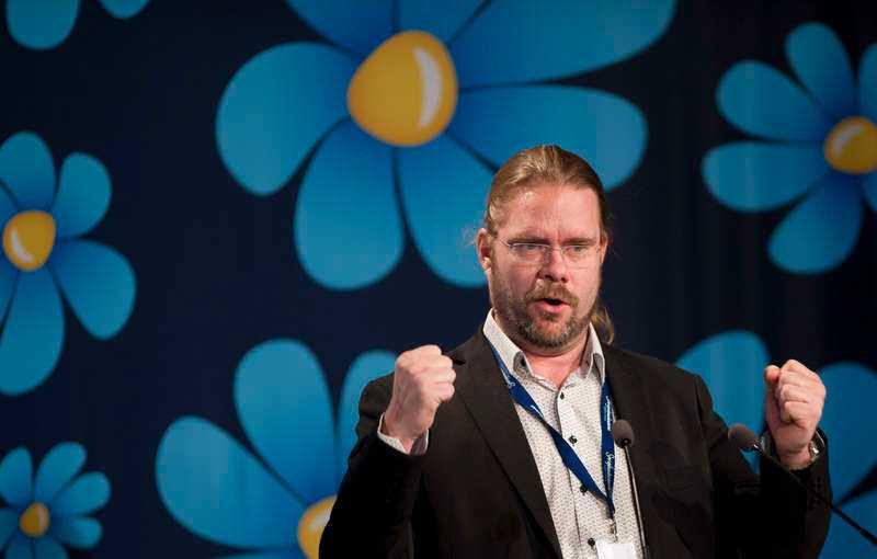Jörgen Fogelklou i talarstolen under Sverigedemokraternas landsdagar i Lund, 2019.