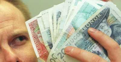 Pengar att spara Genom att se över sina utgifter finns det stora pengar att spara, något som kommer väl till pass när boräntorna stiger och finanskrisen står inför dörren.