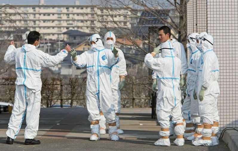 """Redo att dö Arbetarna på Fukushima """"vet att det är omöjligt att de inte har utsatts för dödliga doser av strålning"""" säger mamman till en av dem, till Fox News."""