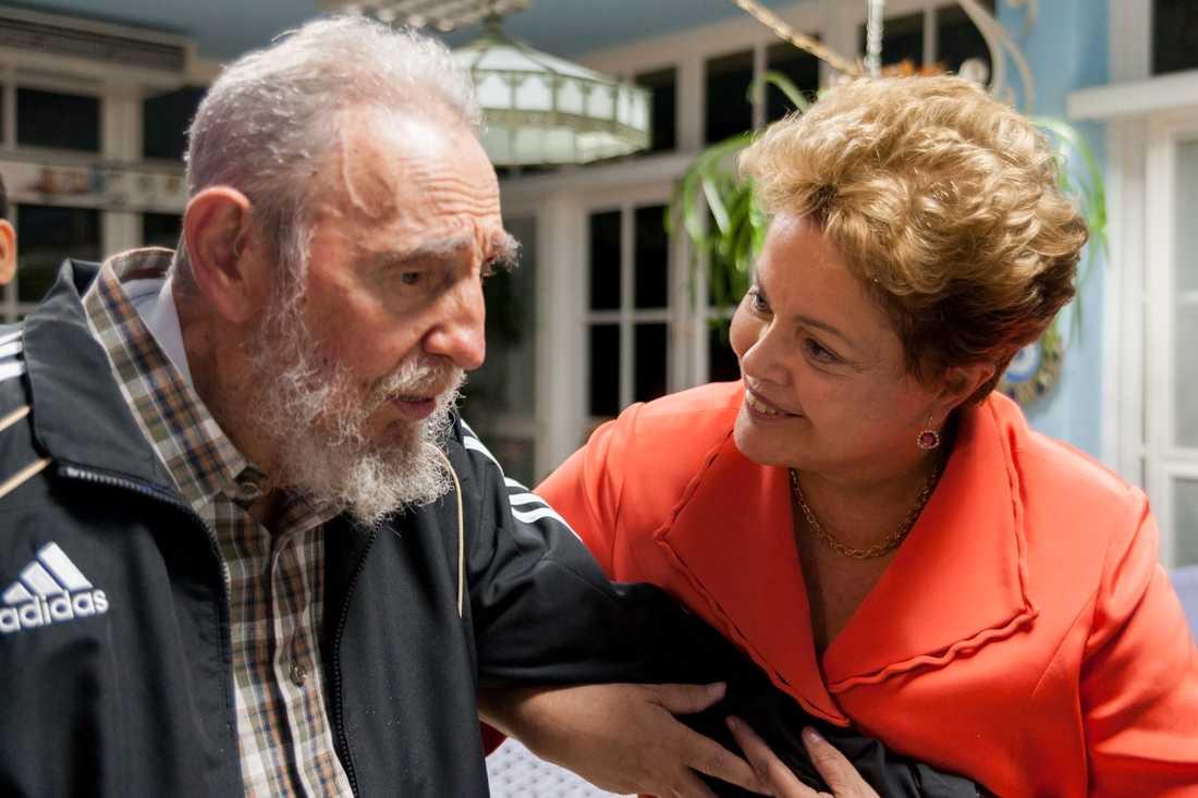 Brasiliens president Dilma Rousseff och Fidel Castro under ett möte i Havanna 2014.