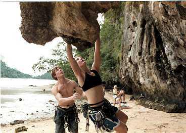 Per Holm och Mia Johansson från Stockholm har kommit till Krabi för att utvecklas som klättrare - och för att leva det goda livet.