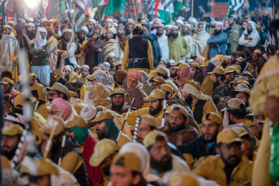 Anhängare till islamistpartiet JUI-F i en regeringskritisk manifestation förra veckan.