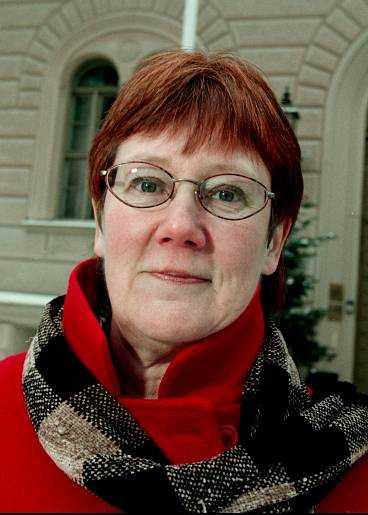 VÄNTAR PÅ AVLÖSNING Försvarsminister Lena Hjelm-Wallén vill avgå.