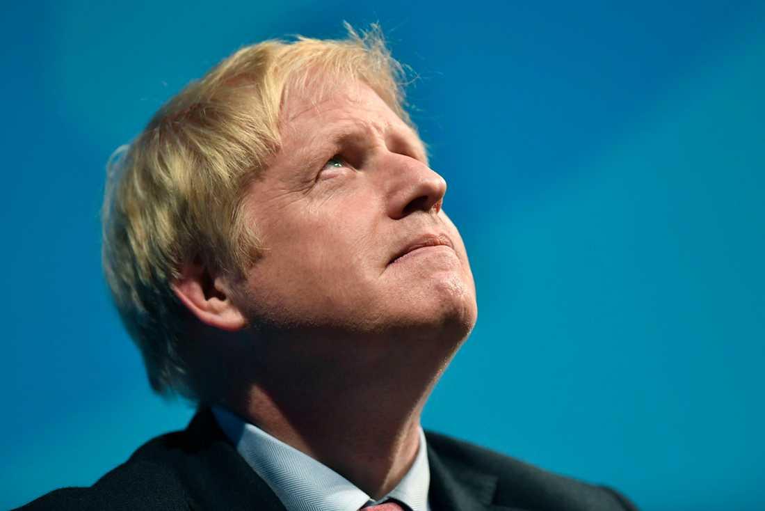 Efter en omröstning inom Konservativa partiet får Boris Johnson flytta in på 10 Downing Street på onsdag.