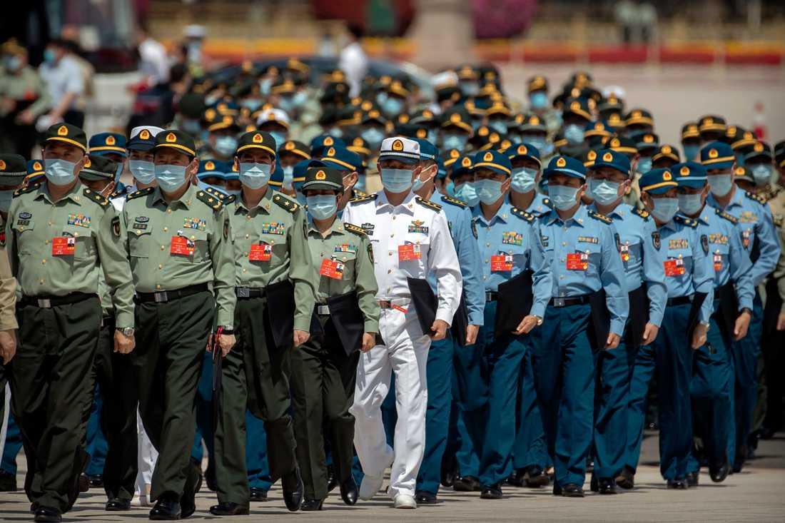 Kina har börjat ge vaccin till militären.