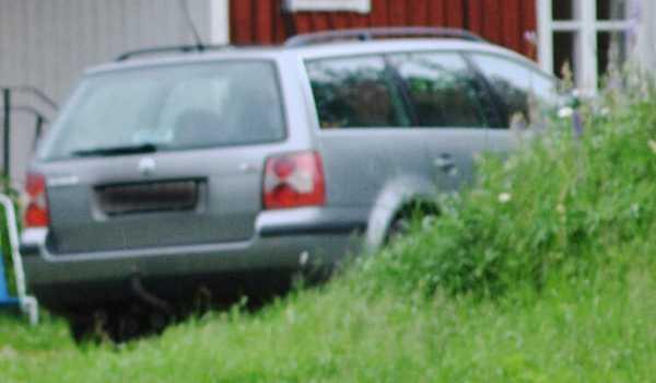 Bilen som polisen undersöker.