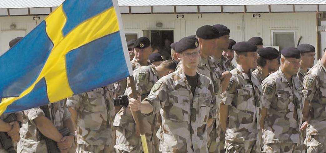 SVÄVAR I LIVSFARA I det svenska området av Afghanistan finns 397 svenska soldater på plats. De är unga och många av dem har precis blivit vuxna, ändå riskerar de att aldrig mer komma hem.
