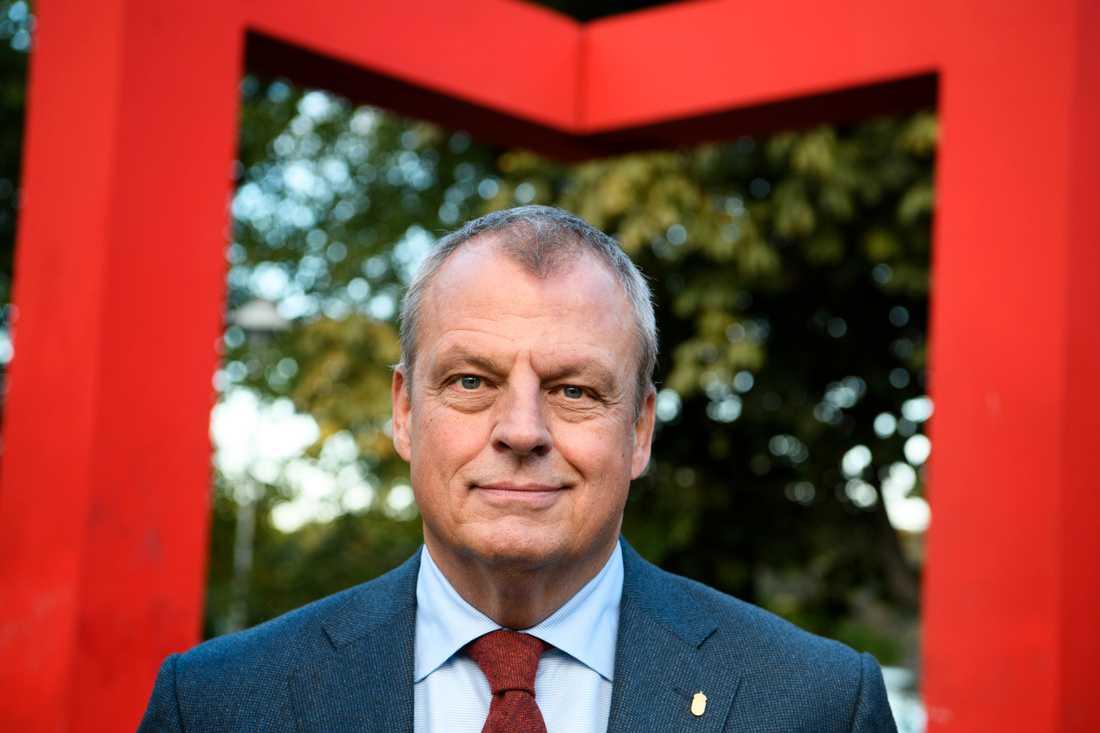 Kriminalvårdens generaldirektör Martin Holmgren vill ha betydligt mer pengar än tidigare begärt från regeringen. Arkivbild.