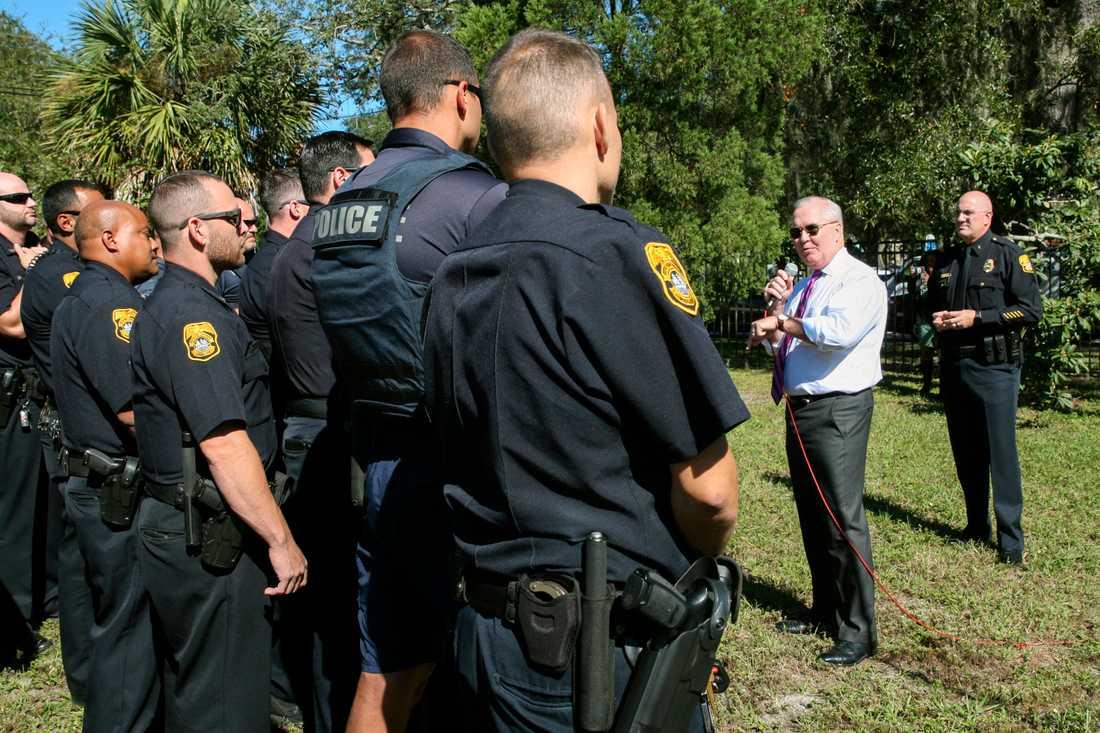 """""""Ge mig hans huvud"""", uppmanade borgmästaren poliserna."""