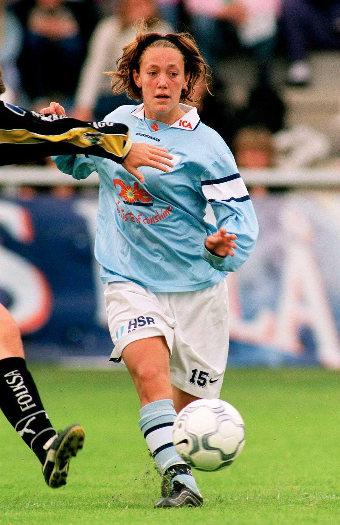 2001. Sjögran flyttar till Malmö FF.