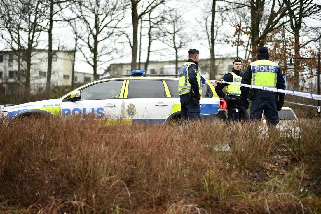 Hovrätten fastställer domen på livstids fängelse för den man som knivmördade sin tidigare hustru vid en återvinningsstation i Mölnlycke, utanför Göteborg. Arkivbild.
