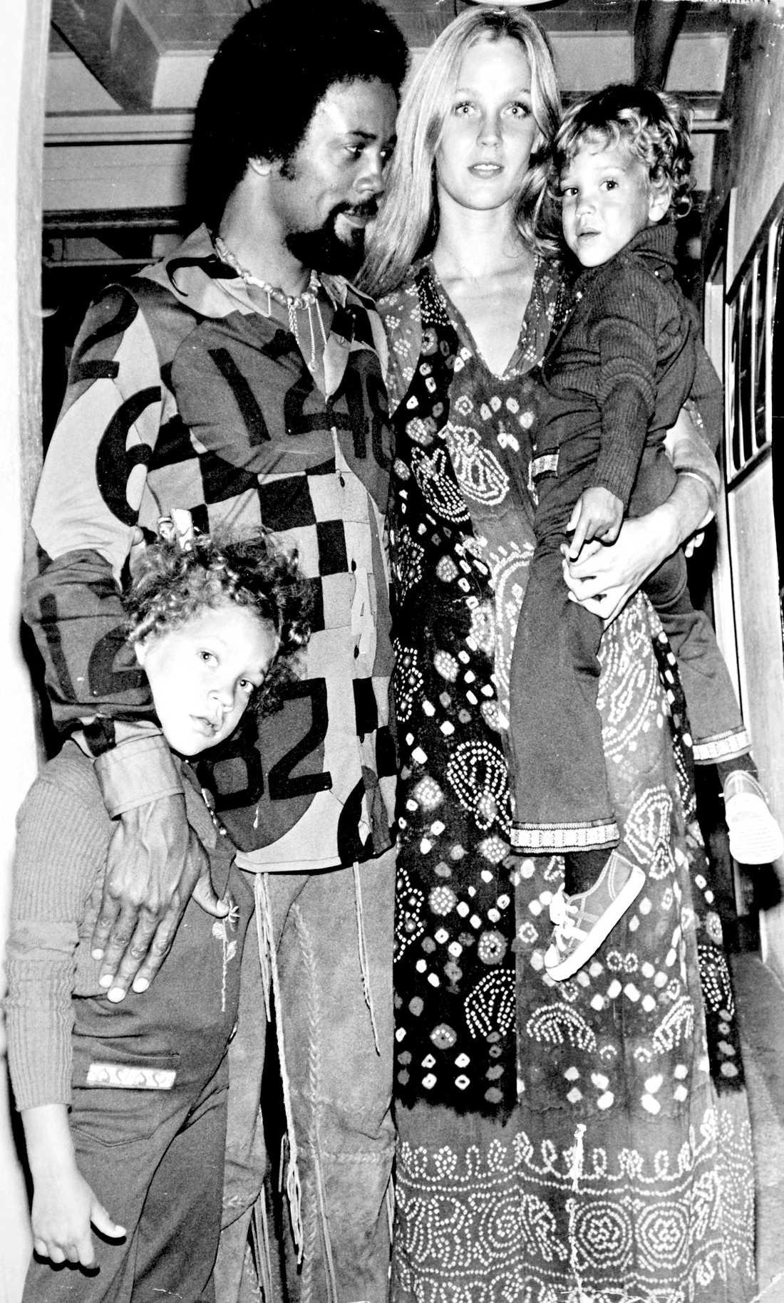 Mamma och pappa – Quincy och Ulla Jones när barnen var små.