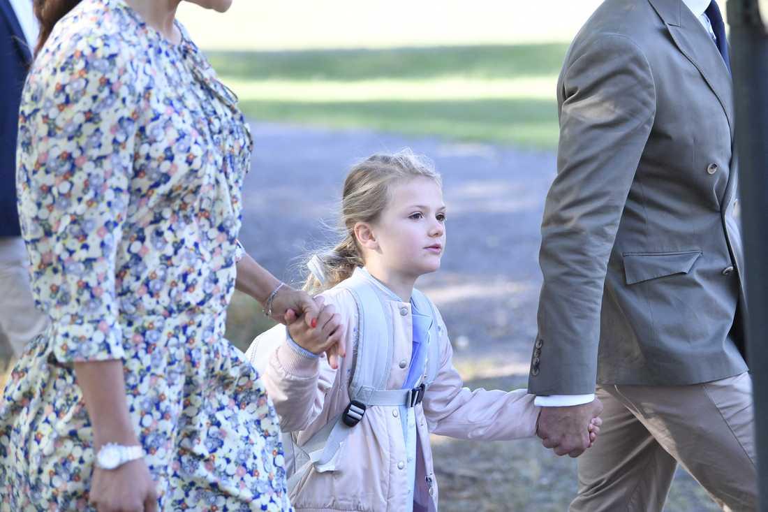 Prinsessan Estelle anländer till Campus Manilla i Stockholm.