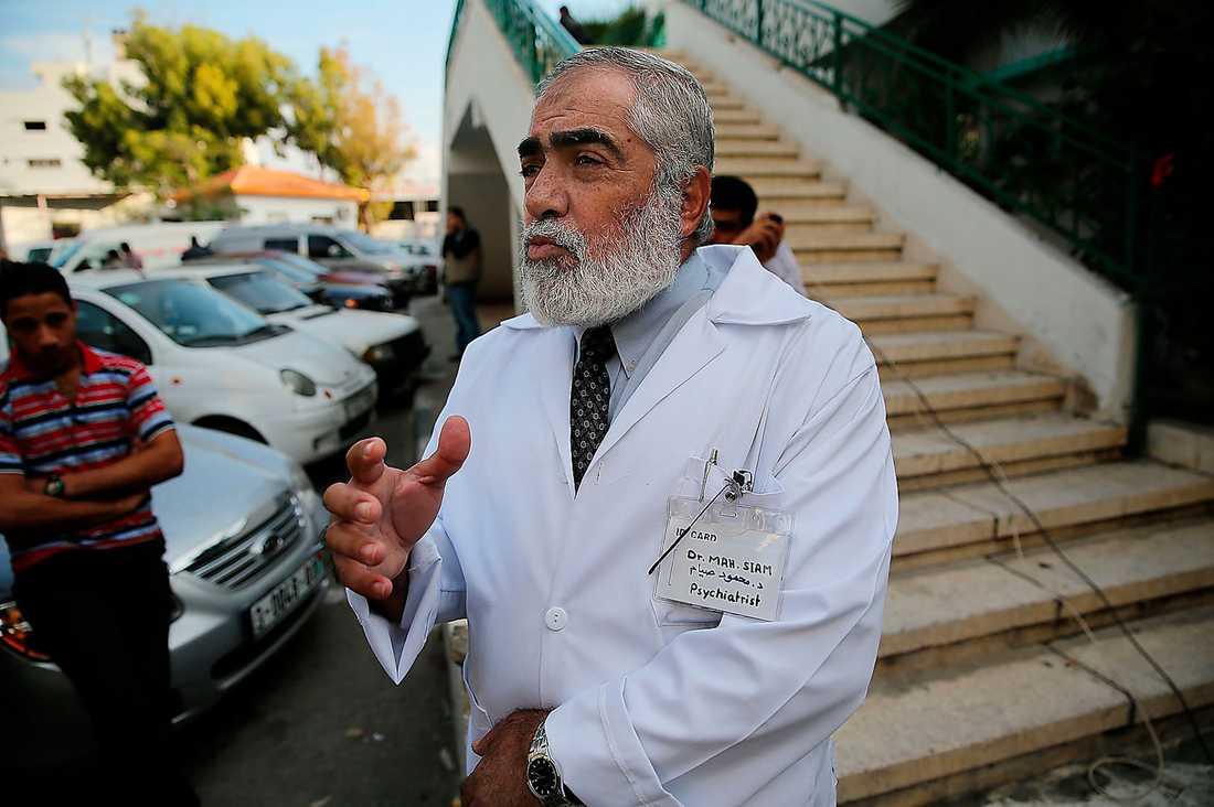Psykiatrikern Mahmud Siam, på Gazas sjukhus, berättar om hur svårt barn drabbas av krigets påfrestningar.