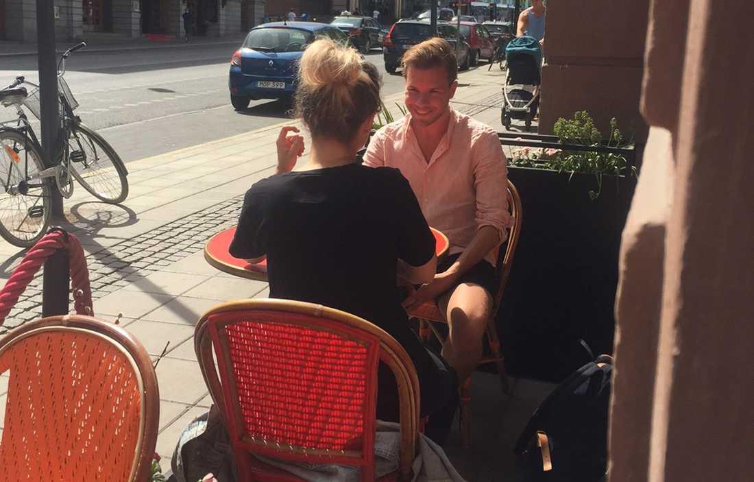 Nöjesbladets reporter möter Kamferdrops i centrala Stockholm