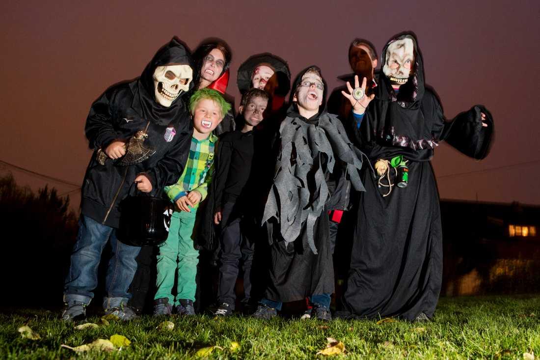 """""""Alla godissugna små monster –  busa inte runt denna halloween"""", skriver statsministern. Genrebild."""