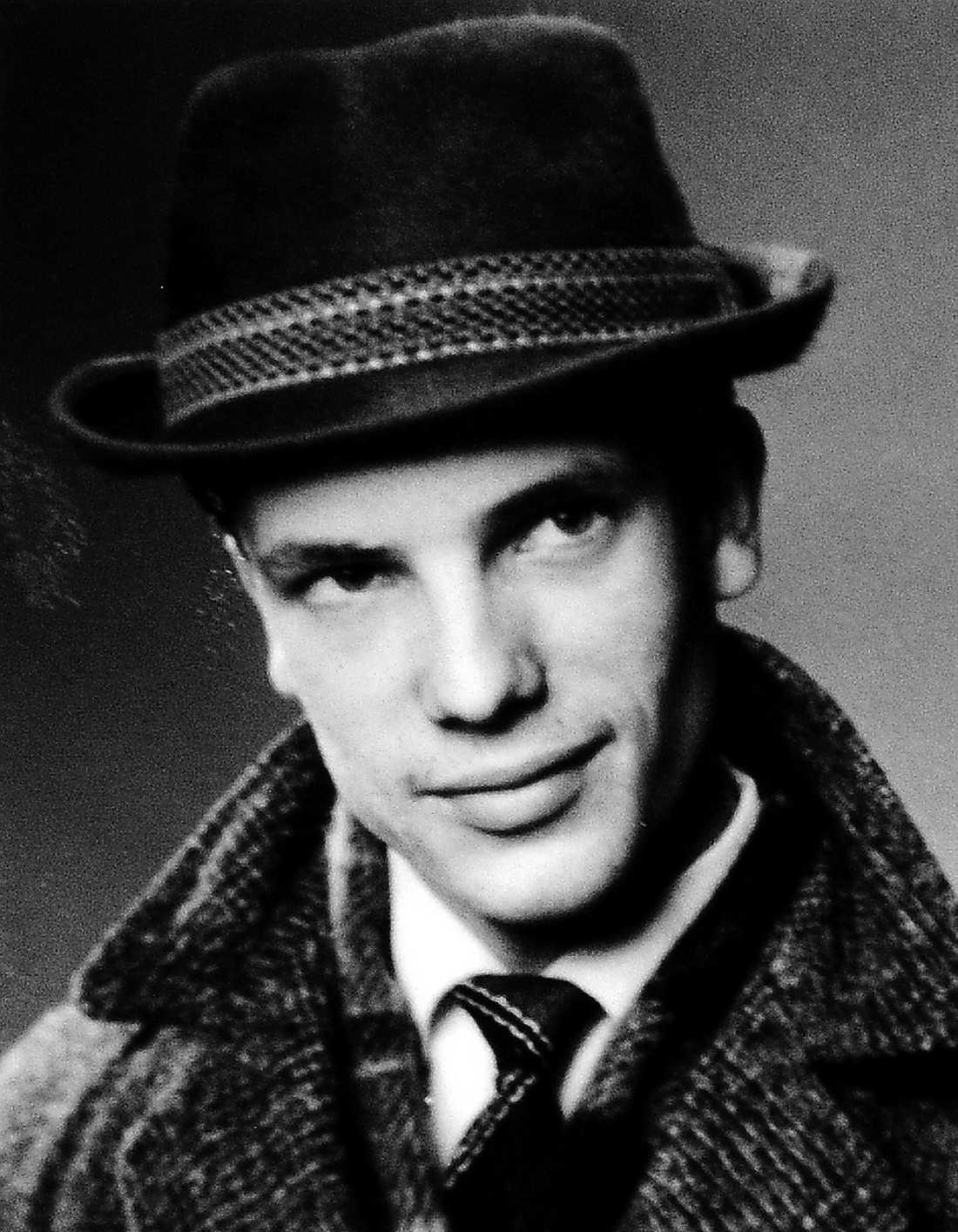 OPERERADES Martin Brama var säker på att han skulle dö när han satt inspärrad i isoleringscellen.