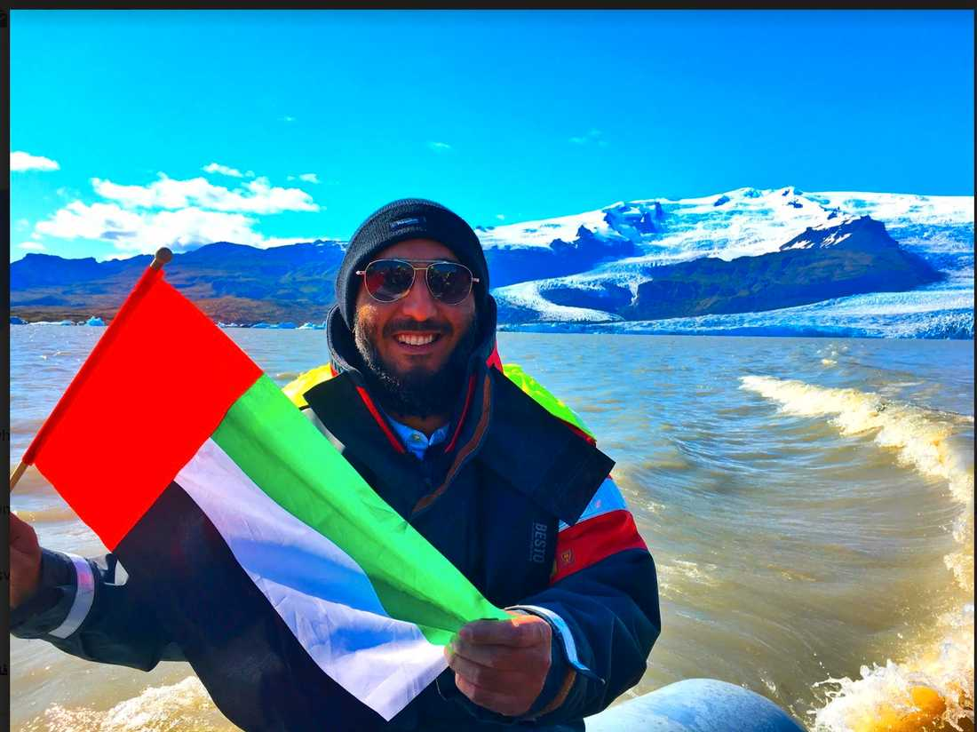 Affärsmannen Abdulla Alshehi vill flytta ett isberg från Antarktis till Island. Här poserar han på Island.