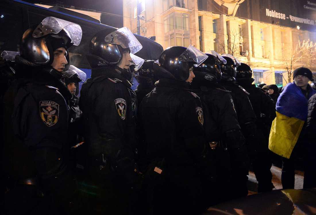 Kravallpolis vid Självständighetstorget i Kiev.