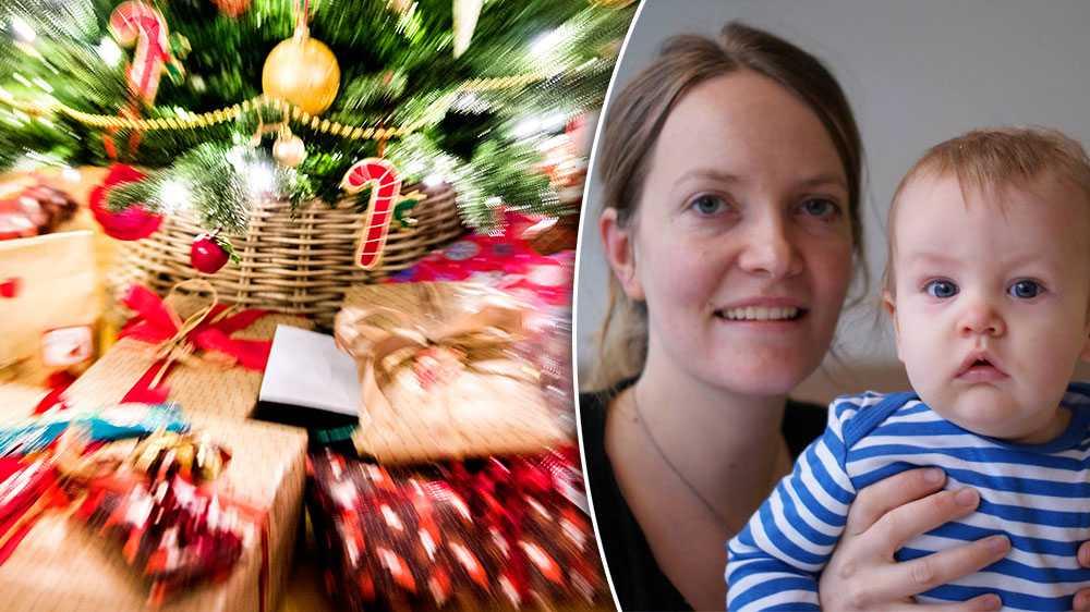 Det är hög tid att minska på antalet klappar, även till barnen. Barn i Sverige har i dag enligt en några år gammal studie i genomsnitt 538 leksaker. Handen på hjärtat, hur många fler behöver de egentligen, skriver Camilla Lindroos, förskollärare och småbarnsmamma.