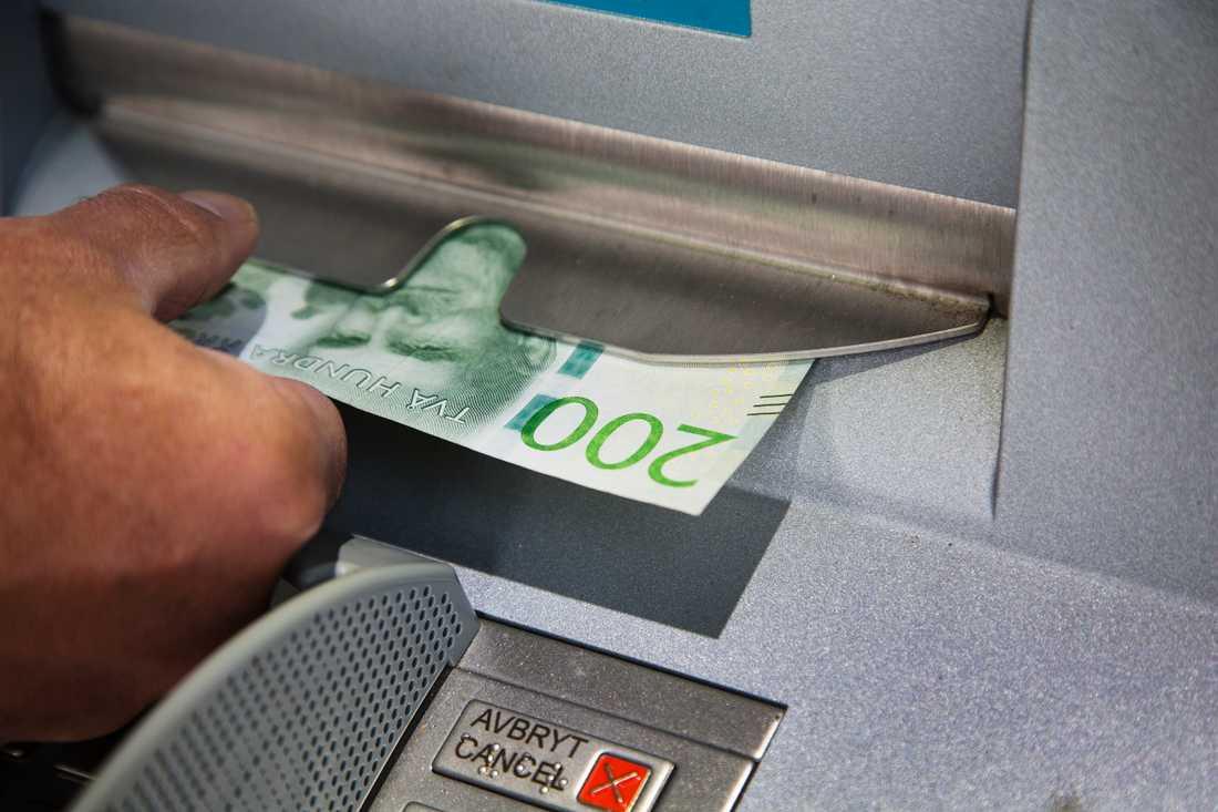 Antalet uttagsautomater minskar i landet. Arkivbild.