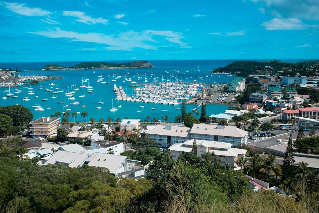 En överblicksbild av Nouméa, den största staden i Nya Kaledonien. Staden ligger dock på motsatt kust från den i riktning mot det skalv som inträffat. Arkivbild.